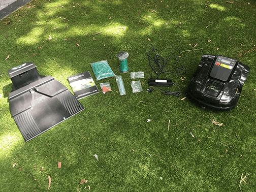 0-unbox-robot-lawn-mowers-australia-2561324-E1800T_Unboxing.w1024